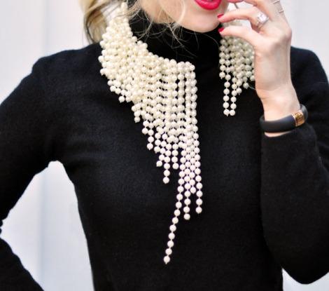a936ca14c067 diy-asymmetrical-pearl-necklace-dior